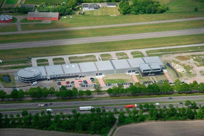 Breda Airparc vanuit de lucht. Fase twee komt rechts van de eerste vleugel, die ook uit zes units bestaat.
