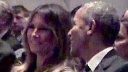 Barack Obama tovert glimlach op gezicht van Melania tijdens begrafenis Barbara Bush (en Twitter ontploft)