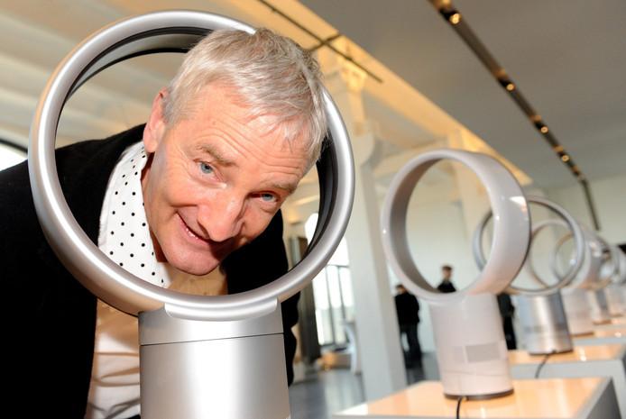 James Dyson, die zijn vermogen verdiende met stofzuigers, betaalt 48 miljoen voor zijn nieuwe flatje.