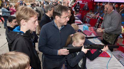 """Sinksenfoor Antwerpen geopend: """"Plezantste werkdag van het jaar"""" voor burgemeester De Wever"""