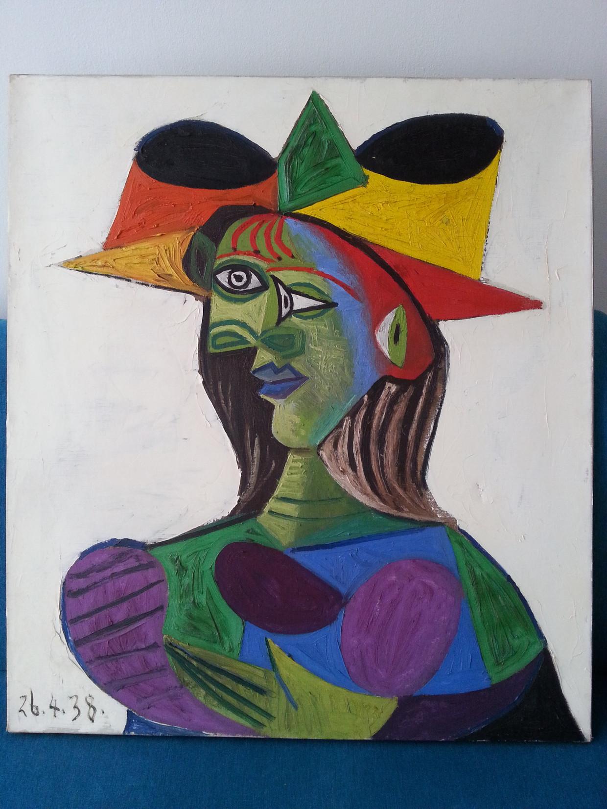 Het gestolen en teruggevonden schilderij van Picasso: Buste de Femme (1938). Het werk is 'nog in een goede staat, met een lichte beschadiging'.