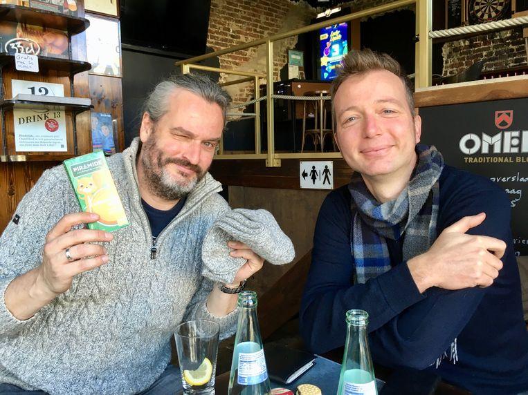 Kurt en Steven van het GMF in gesprek. (Vergis u niet, de hipster met baard en geitewollensokken op de foto is wel degelijk Kurt).