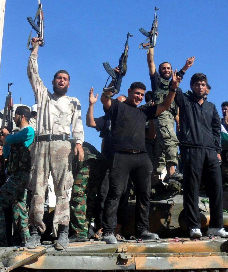 Syrische rebellen afgelopen vrijdag in Aleppo. Beeld epa