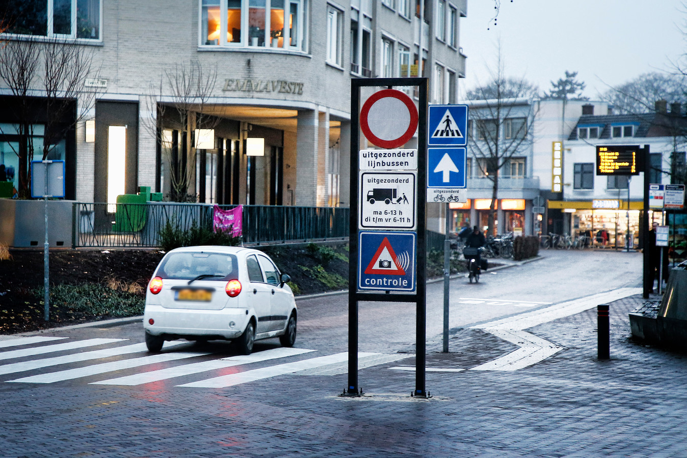 Automobilisten negeren in groten getale het inrijverbod.