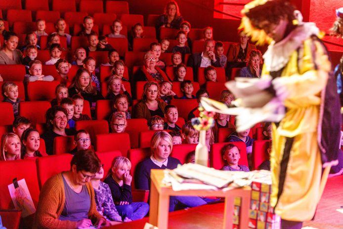 Dit jaar is er in theater de Meenthe geen sinterklaastoneel voor leerlingen van de basisscholen in Steenwijk en omgeving.