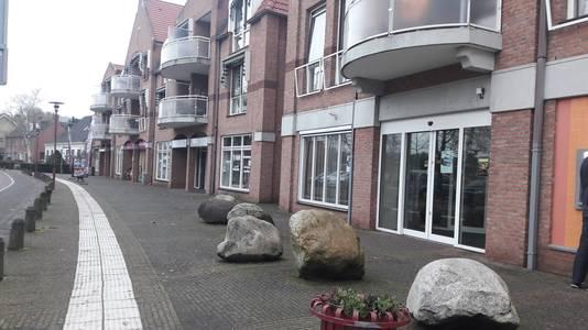 Winkelpanden aan het Willem Alexanderplein in Teteringen