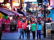 Studenten leren Eindhoven kennen: slapen op een bed van bierkratjes