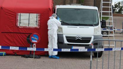Lichaam gevonden in bestelwagen op Gemeenteplein in Nieuwerkerken