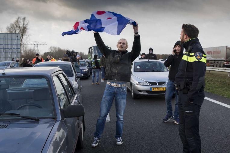 18 november 2017: 34 Friezen blokkeren op een snelweg in Joure het verkeer waardoor bussen met actievoerders van 'Kick Out Zwarte Piet' niet tijdig tot bij de intrede van Sinterklaas in de stad Dokkum geraken.
