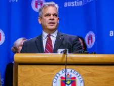 Amerikaanse burgemeester (64) spreekt volk vanuit vakantieresort toe: 'Mensen, blijf thuis'