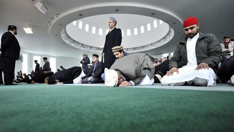 Vrijdaggebed in de Baitoel Foetoeh-moskee in London. Beeld epa