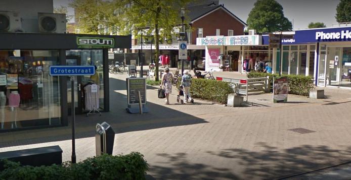 THUIS!!..... bij Karin (midden, schuin tegenover Stout!), aan het Keizerserf in Nijverdal.