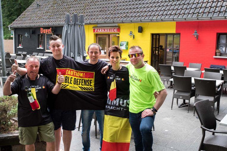 Carlo Mouton (midden) en zijn team zijn alvast klaar voor het WK.
