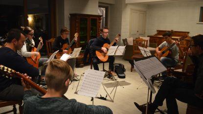 Concert met uitsluitend plaatselijke muzikanten in Sint-Bavokerk