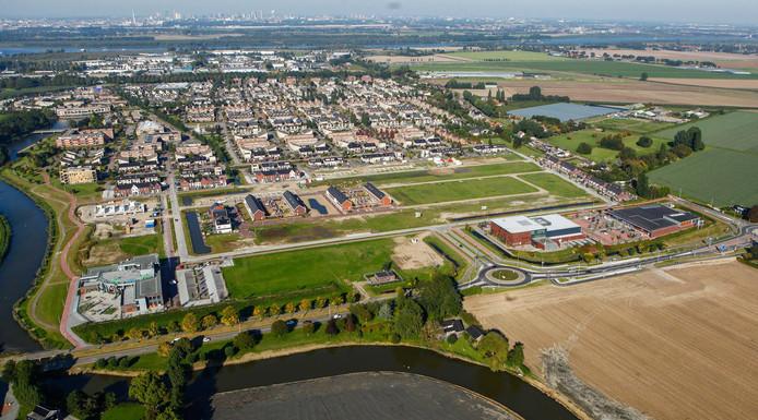 De wijk Poortwijk III in Oud-Beijerland van bovenaf.