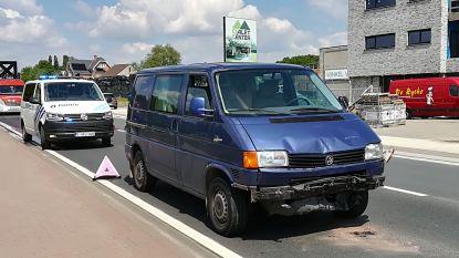 Kop-staartbotsing met drie voertuigen op Pontweg