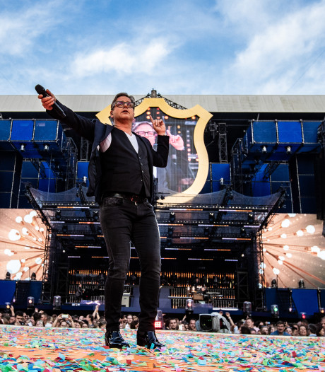 Guus Meeuwis is BLØF hartstikke dankbaar en Nieky Holzken geniet op Ibiza