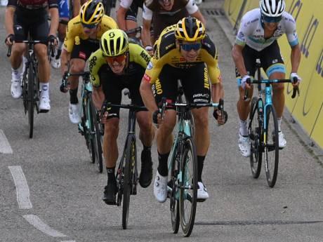 Indrukwekkende Van Aert rondt werk Jumbo-Visma af in zware openingsrit Dauphiné