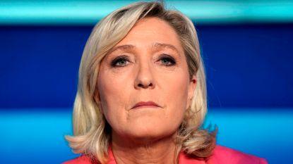 Marine Le Pen moet 300.000 euro terugbetalen in zaak rond valse medewerkster