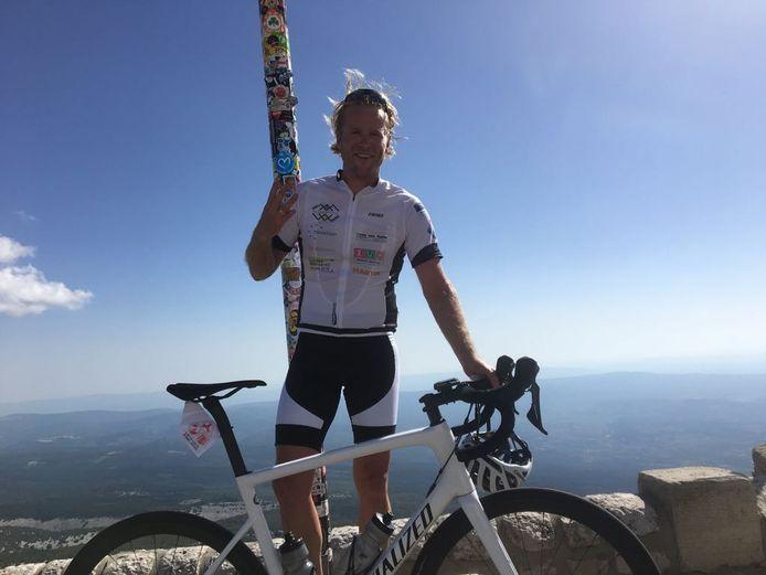 Leo Alkemade na zijn derde beklimming van de Mont Ventoux.