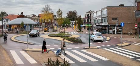 Auto's rechtdoor, fietsers maken een rondje: Veenendaal heeft een speciale fietsrotonde