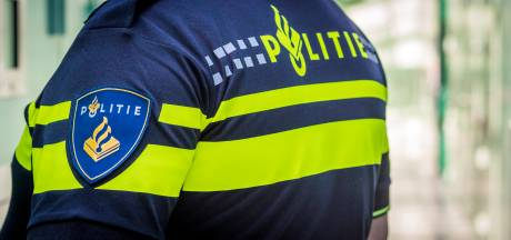 Overval op sigarenwinkel in Enschede mislukt, politie zoekt man