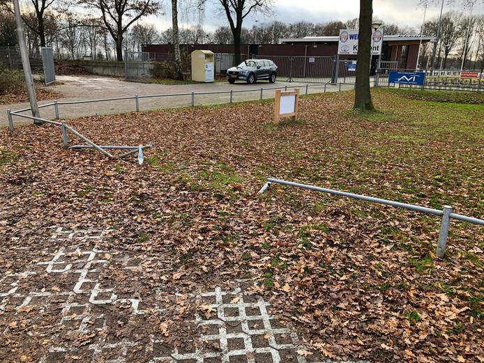 De trimbaan op Sportpark Het Midden in Vriezenveen, van Tot de Nek in de Drek, was opnieuw het doelwit van vandalen.