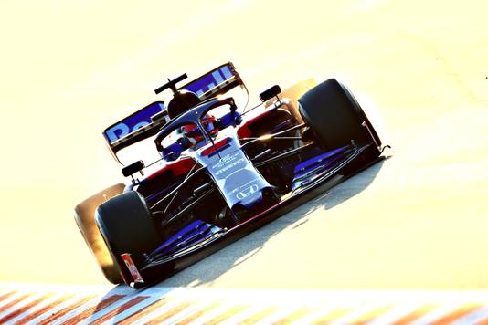Daniil Kvyat is in zijn Toro Rosso de snelste man van de dag.
