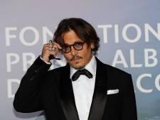 """Cet étonnant cliché de Johnny Depp interpelle ses fans: """"Pourquoi est-il derrière les barreaux?"""""""