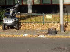 Man in scootmobiel gewond bij aanrijding met auto in Enschede