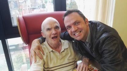 """Steve Tielens over het recente overlijden van zijn gekwelde vader: """"Het wringt dat ik geen afscheid heb kunnen nemen"""""""