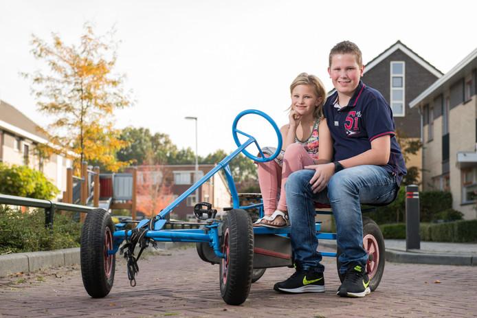 Loes en Sander Beek. Sander redde zijn zusje Loes toen zij met de skelter een ongeluk kreeg.
