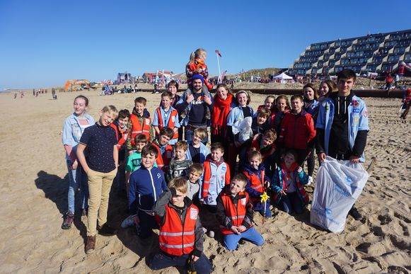 KSA De Biekorf uit de Vosseslag bij De Haan nam met zo'n dertig kinderen deel aan de Clean Beach Cup.