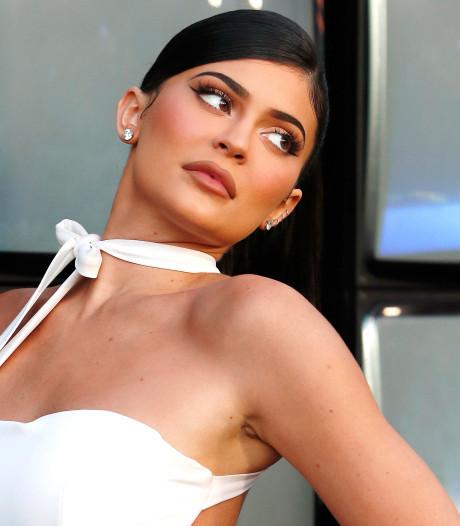 Kylie Jenner krijgt 600 miljoen voor aandelen beautymerk