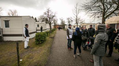 Vanvelthoven dringt aan op overleg over asielzoekers aan Parelstrand