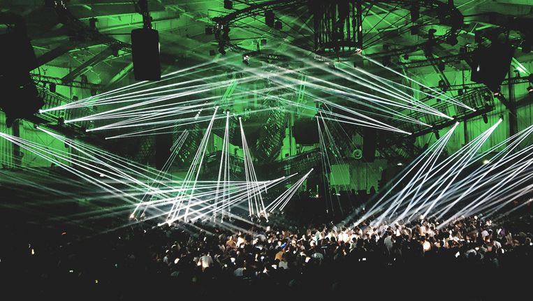 Photon in de Gashouder is een wisselwerking tussen muziek, licht en architectuur. Beeld Bart van der Ham