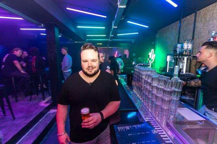 N8club, een nieuwe kroeg annex discotheek in Helmond. Eigenaar Thomas van Kooten ziet veel kansen, ondanks corona.