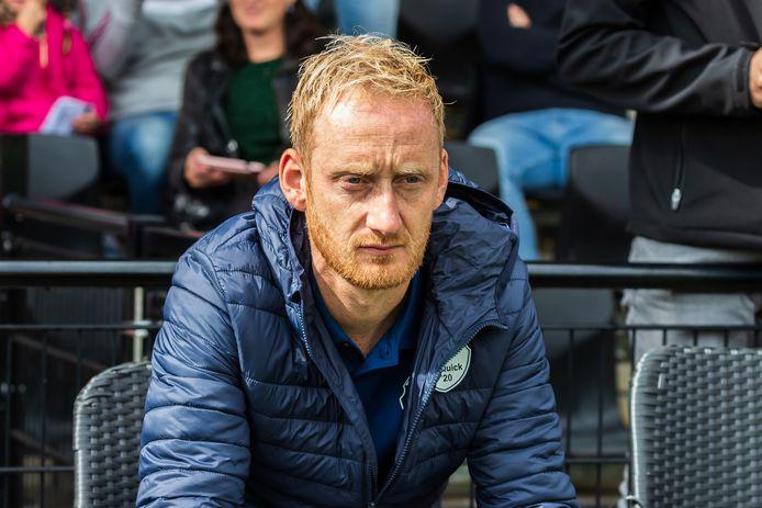Silvolde-trainer Steven Verheijen zit tien dagen thuis, omdat negen van zijn spelers besmet zijn met het coronavirus.