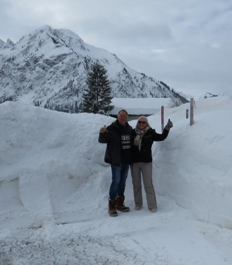 Oud-Bornse geniet van extreme sneeuwval in Oostenrijk: 'Mooiste lawine die ik vandaag heb gezien!'