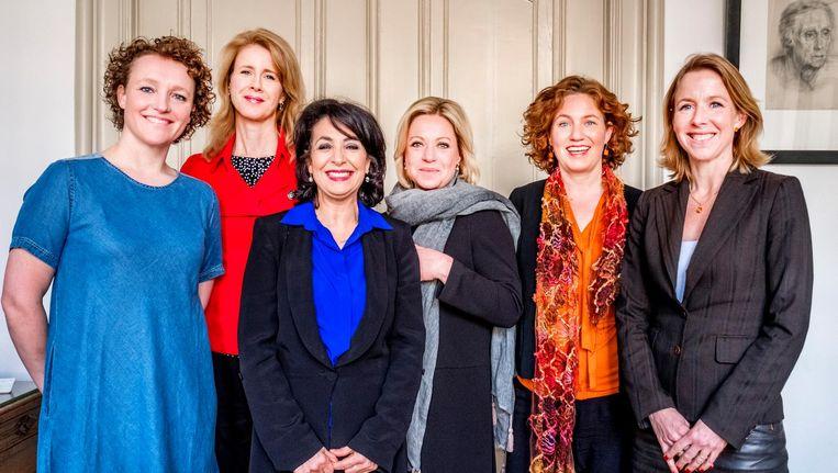 Renske Leijten (SP), Mona Keijzer CDA), Khadija Arib (PvdA), Jeanine Hennis-Plasschaert (VVD), Kathalijne Buitenweg (GroenLinks) en Stientje van Veldhoven (D66). Beeld null