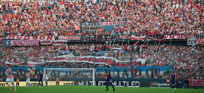 Fans van River Plate in de uitwedstrijd bij Estudiantes van afgelopen weekend.