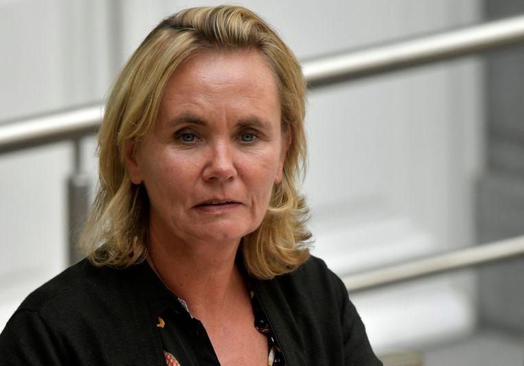 """Vlaams minister van Wonen Liesbeth Homans (N-VA) trekt binnenkort naar de regering met een nieuw schattingsmodel voor de huurprijzen van de 154.000 sociale woningen in Vlaanderen.  Of de huurpijzen hierdoor zullen stijgen of dalen, kan Homans niet voorspellen. """"Ik heb geen glazen bol"""", zegt ze."""