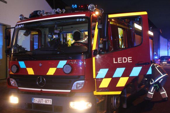 Brandweerpost Lede leverde twee autopompen.