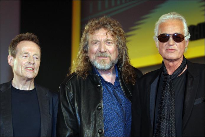 Contrairement à John Paul Jones et Jimmy Page (D), Robert Plant, au centre, n'envisage pas de remonter sur scène.