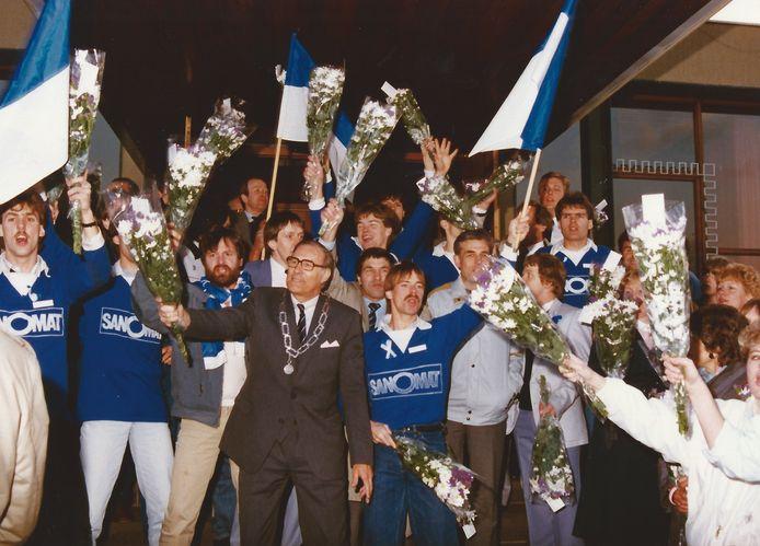 Het behalen van het kampioenschap in 1985 en de promotie naar de hoofdklasse.