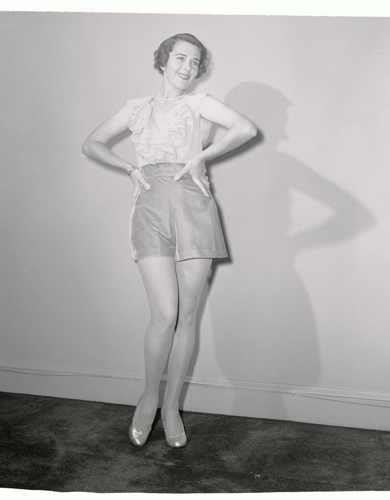 Ruby Keeler in een replica van haar kostuum uit  '42nd Street' uit 1932. Beeld Bettmann Archive