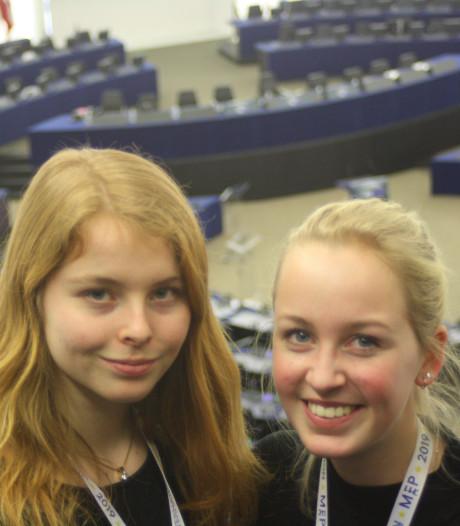 Nijkerkse Laurie (17) verslaat debat in Europees jongerenparlement