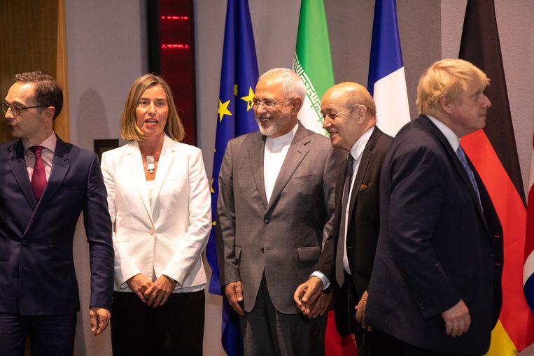 De Duitse minister van Buitenlandse Zaken Heiko Maas, EU-buitenlandchef Federica Mogherini, de Iraanse minister van Buitenlandse Zaken Javad Zarif, zijn Franse collega Jean-Yves Le Drian, en hun Britse collega Boris Johnson tijdens een bijeenkomst van de zogeheten E3 en Iran in Brussel, mei 2018.  Beeld null