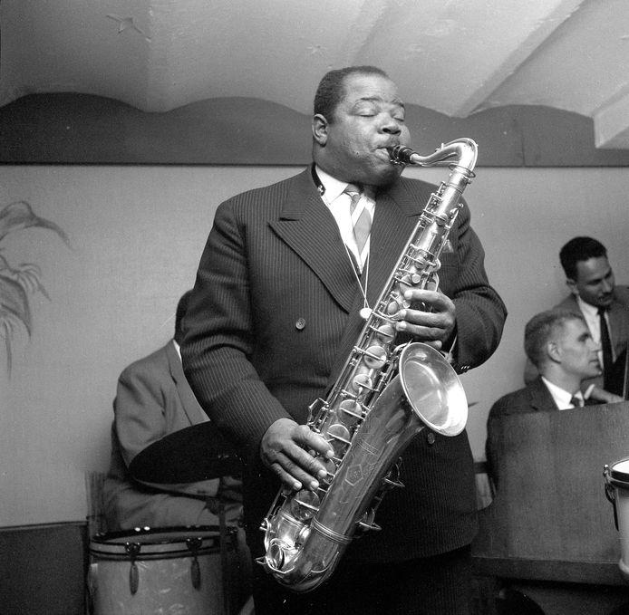 De Surinaamse tenorsaxofonist Kid Dynamite trad veel op in Katendrecht. Op de Kaap is ook een festival naar hem vernoemd.
