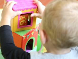 Code oranje voor kinderopvang: ouders moeten aan de deur wachten